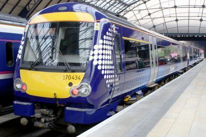 Commuters faced rail chaos as points failure halted Glasgow Central