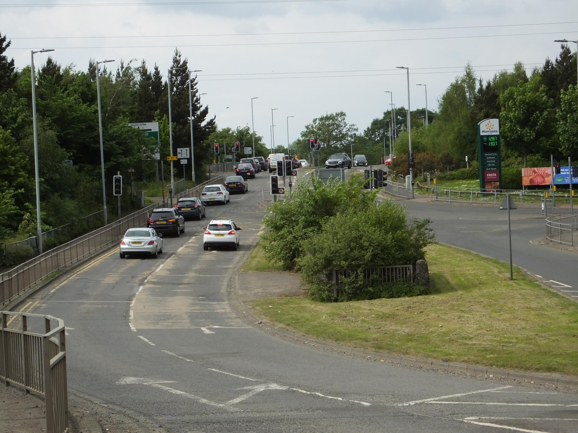 The incident took place when the teenager threatened to jump at this flyover at the A737 in Johnstone