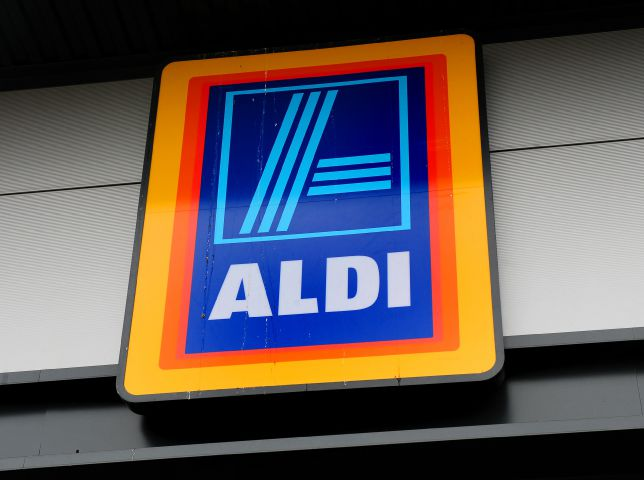 Rugby star to open Johnstone's new Aldi store