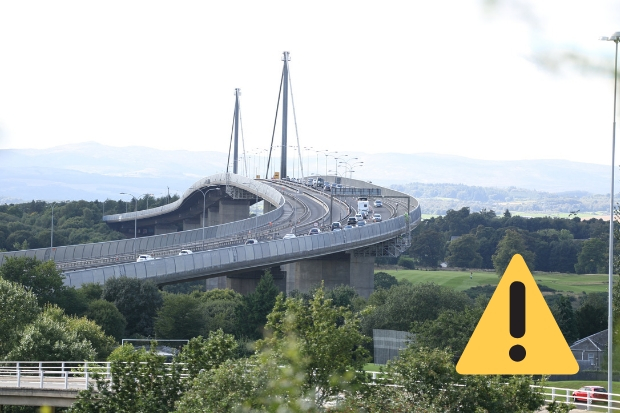 Police rush to crash near Erskine Bridge