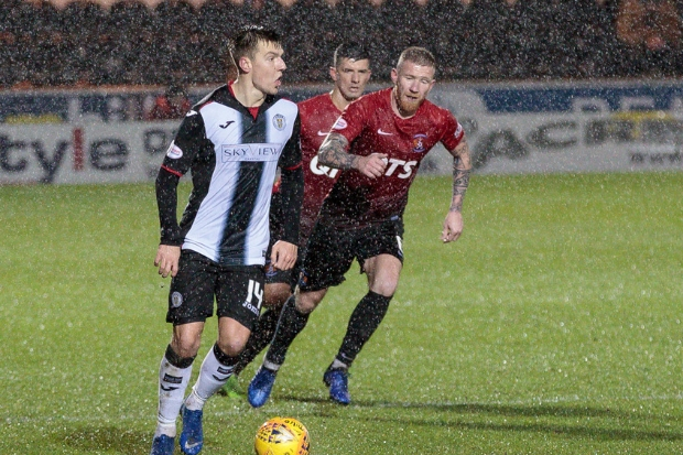 Brad Lyons in action on a blustery night in Paisley (photo: Allan Picken)